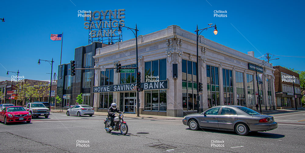 Hoyne Saving Bank in Jefferson Park on Milwaukee and Lawrence with Street Traffic