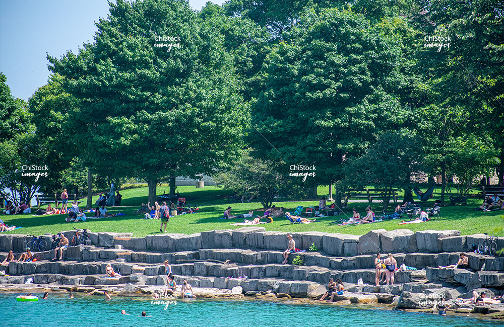 Chicagoan's Relaxing On Promontory Point Man Made Peninsula On Lake Michigan Hyde Park