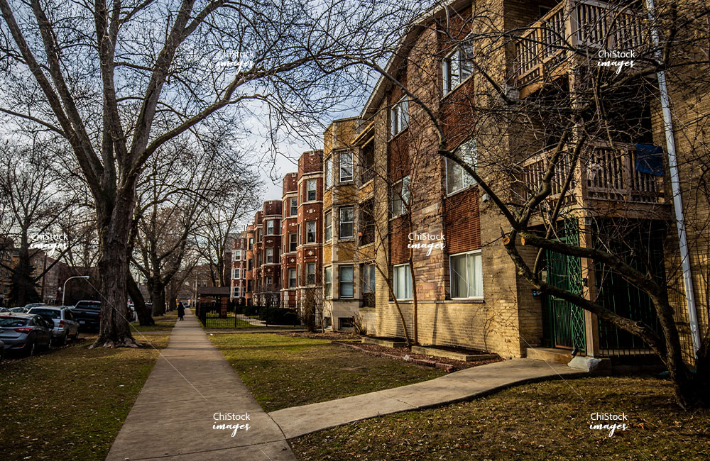 Rogers Park Side Courtyard Apartment Side street View