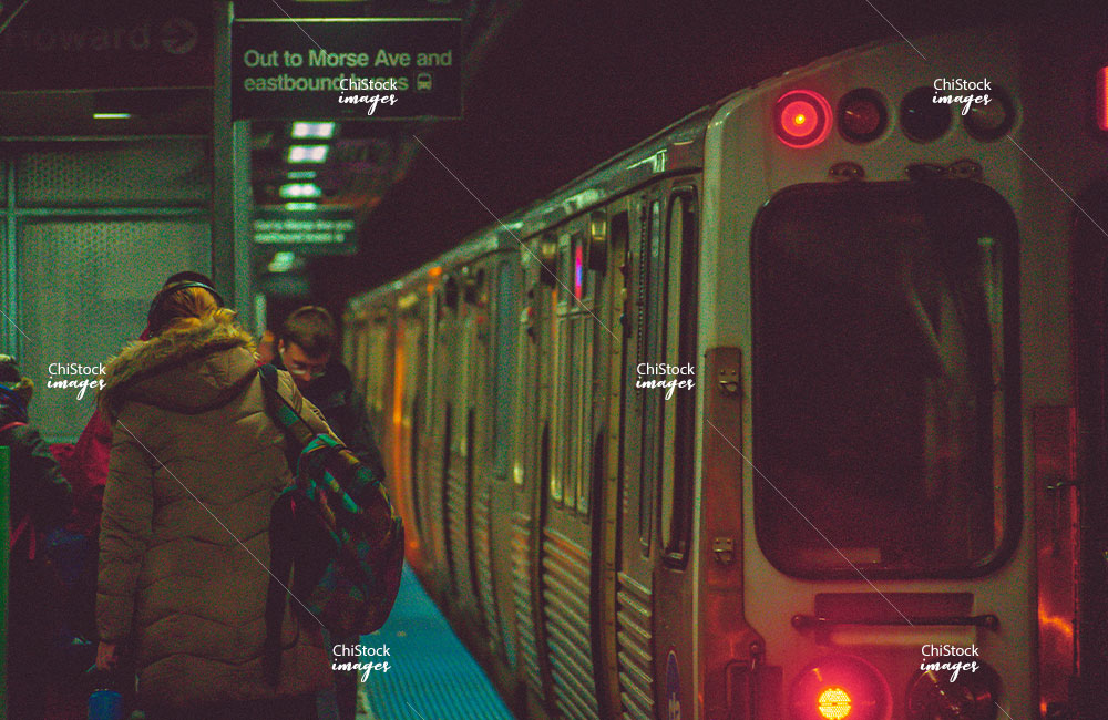 Morese Ave CTA L Platform Rogers Park Chicag