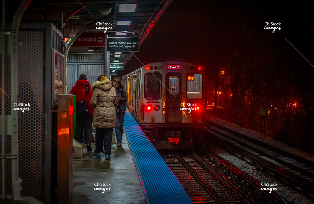 Morese Ave CTA L Platform Rogers Park Chicago