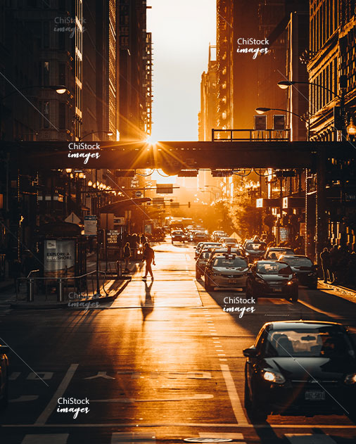 Street Traffic and CTA During Chicago Golden Hour